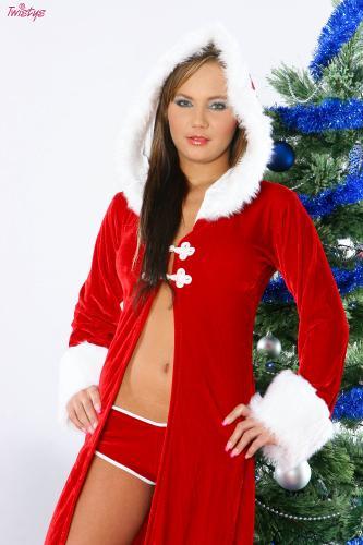 12-25 - Nataly - Wrapped Around My Christmas Tree