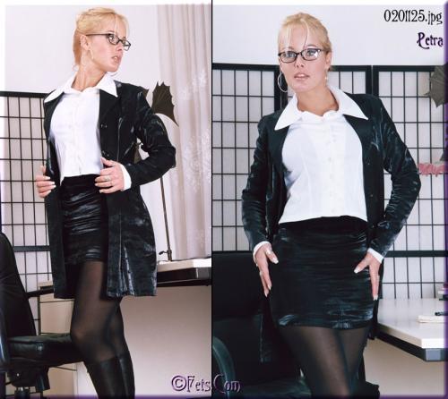 0579-Petra-Office Girl