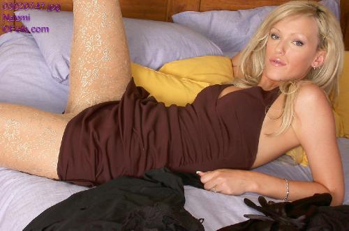 0735-Naomi-LegTexture