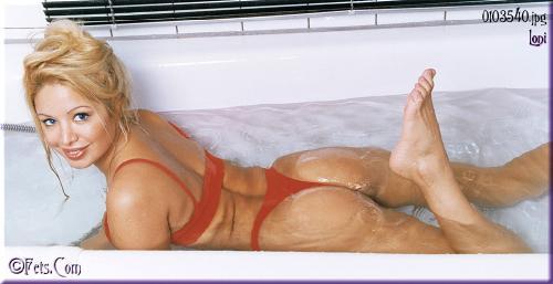 0457-Loni-Wet Lycra