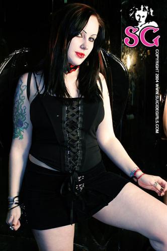 11-10 - Scarlett - Bats