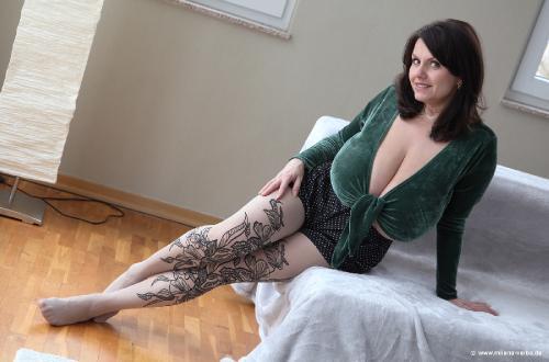 Green Velvet (2013 feb)