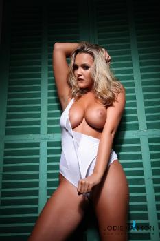 set027 White Bodysuit 27.10.12