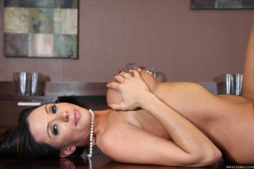 Ariella Ferrera - Lust In Translation