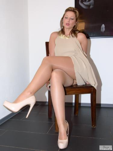 Lustful brunette