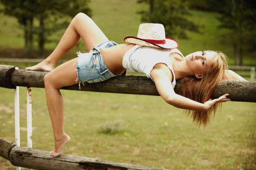 2009-04-26 - Gina - Country Girl by Nina Larochelle (x49) 5600x3733