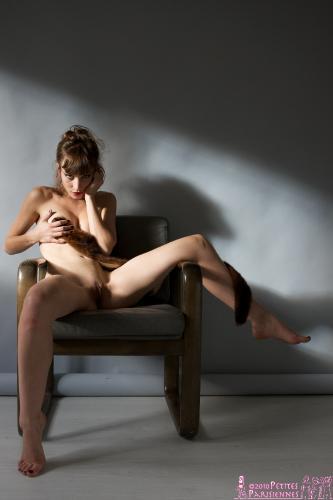 04 - Eva - The Chair 1 (29) 4000px
