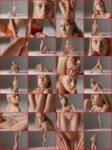 Aleksandra Petite Poser 1080p