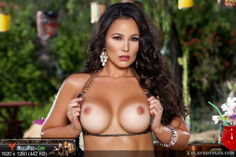Playboy Plus – Candace Leilani in Tiki Bar