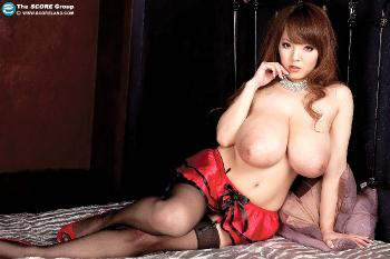 2011-07 - Meet Hitomi - The Biggest Japanese Boobs - 60 pix