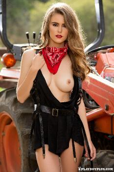 17-PLM-amberleigh-west-hot-harvest