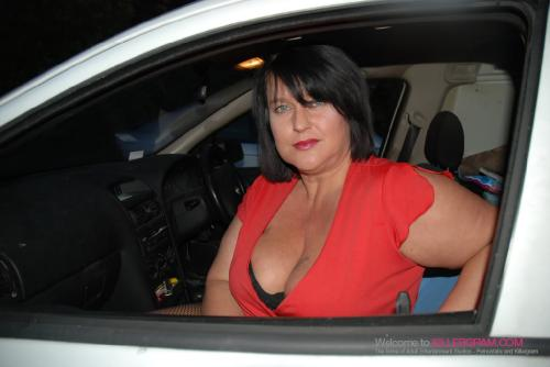 Curvy Danielle_A Dogging Debut