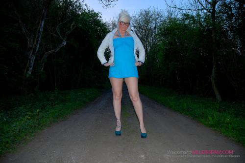 Mandy Cinn_Spectacular Dogging