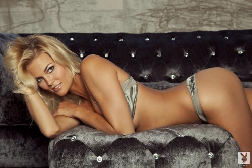 hunter-mccloud-nude-on-the-couch