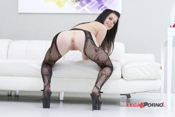 3 on 1 Daniela Rose Nasty anal slut SZ471