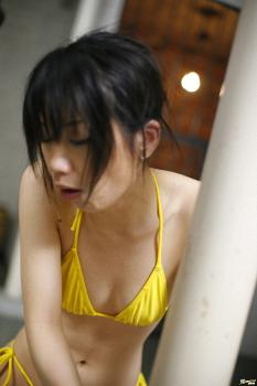 Miki Uehara - Miki Urehara Asian model is tied to a pillar in giving a blow job