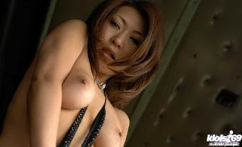 Jun Kusanagi - Jun Kusanagi Beautiful Asian Doll Enjoys Showing Her Ass