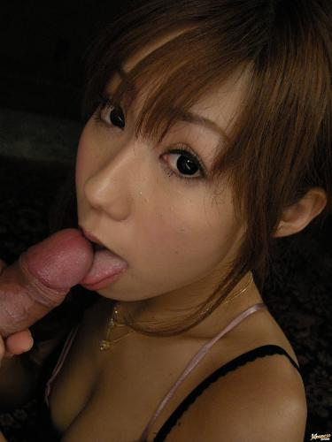 Yurika Momose - Yurika Momose hot Asian model gives a double blow job
