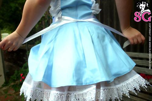 06-06 - Quinne - In Wonderland