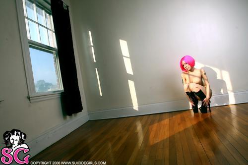 08-14 - Kyra - Pink