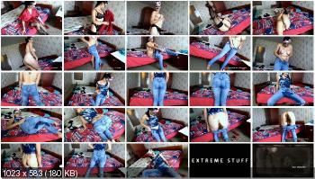 Pooping Jeans (BigTitsAlisa) My jeans are full of shit and piss [FullHD 1080p] Jeans, Solo, Amateur